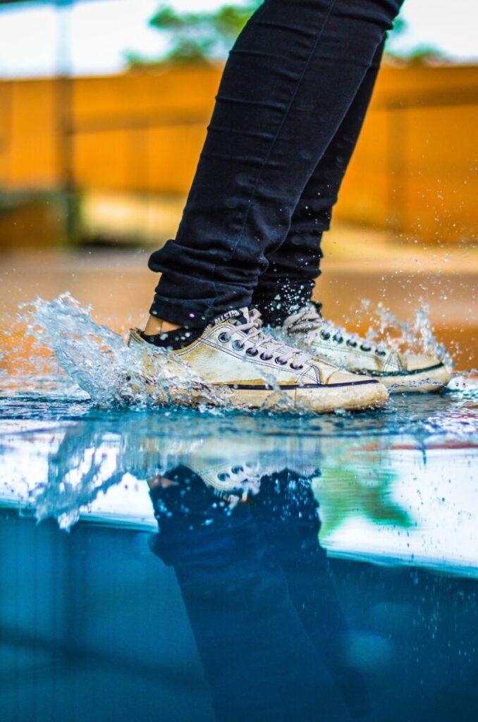 一瞬で汚れる靴